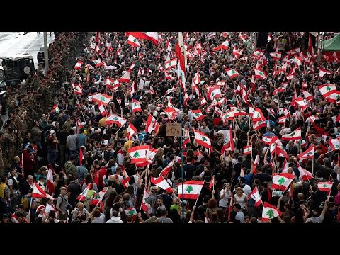 شاهد: اللبنانيون عازمون على البقاء في الشارع وتباين الآراء حول المرحلة المقبلة…  - نشر قبل 1 ساعة