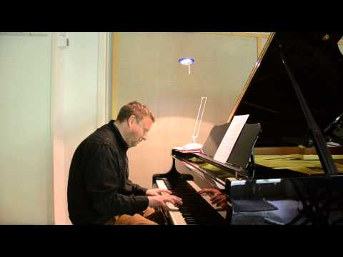 Mark Edwards plays 'Old Folks' Live In The Studio