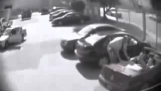 في موقف للسيارات - شاهد ماذا حصل ههههههه