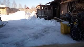 Уборка снега на даче .(, 2016-02-16T12:57:44.000Z)