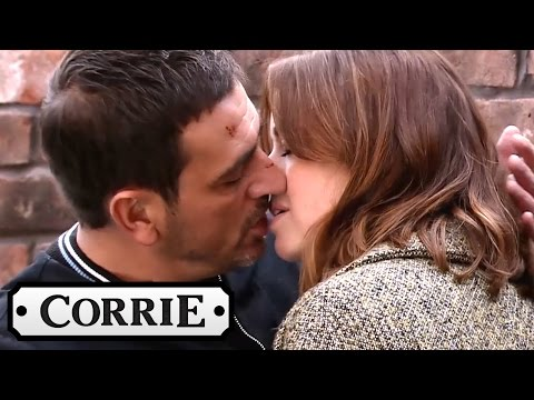 Simon's Drone Catches Peter And Toyah Kissing - Coronation Street