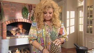 Jak łatwo pokroić ananasa? Szybki i prosty sposób! [Sexy kuchnia Magdy Gessler]