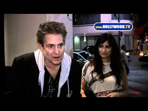 Jeff Conaway Talks To Cameras At Beso Restaurant