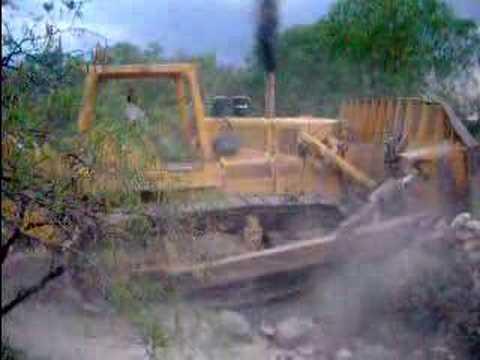 Bulldozer HD31 en acción - FiatAllis HD31 in action