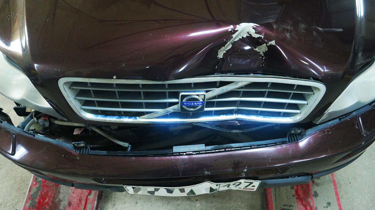 Кузовной ремонт на стапеле Вольво хс90, Ягуар хф и Тойота Прадо.