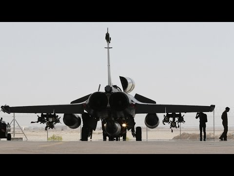 Paris Attacks: is bombing Raqqa and Islamic state targets a mistake?