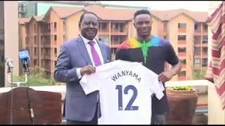 Tottenham player Victor Wanyama visits Raila Odinga.