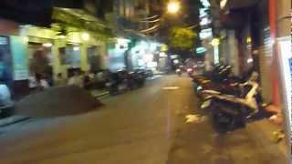 Repeat youtube video ハノイの夜のイケナイお誘い Hanoi's bad Seduction @ Vietnam Night