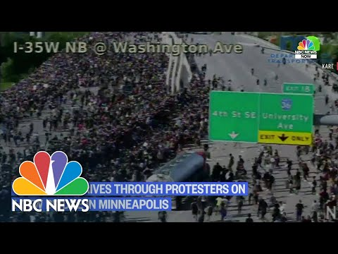 Watch: Semi-Truck Drives Into Crowd Of Protesters On I-35 Minneapolis | NBC News