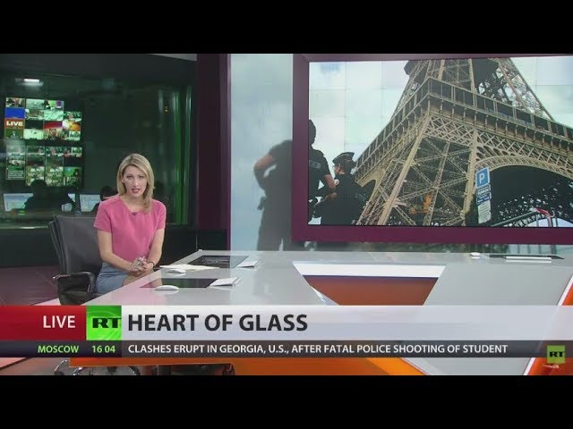 Work on bulletproof glass wall around Eiffel Tower begins