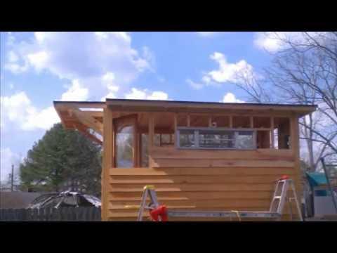 Tar River pontoon houseboat