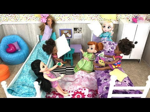 Sleepover! Barbie Sisters Slumber Party Elsa and Anna Toddler Dolls |  Naiah and Elli Doll Show #8