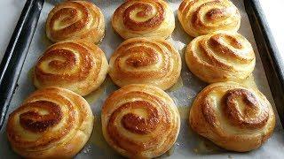 Творожные булочки-завитушки с апельсиновой глазурью.