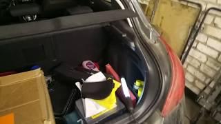 Небольшая видео-инструкция по замене ламп в фонарях Пежо 308.