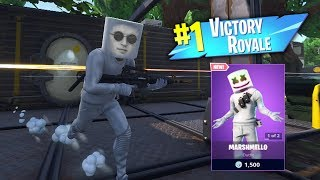Getting A VICTORY ROYALE With The *NEW* Marshmello Skin! (LIVE)