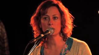 Watch Kathleen Edwards House Full Of Empty Rooms video