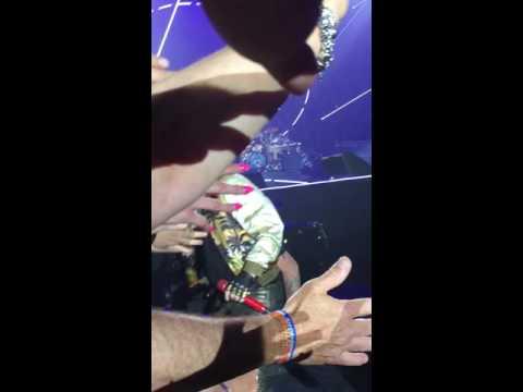 Queen + Adam Lambert - Radio Ga Ga clip Brussels 15.6.16
