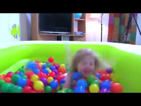 شاهد للاطفال يلعبون في مسبح الكوره Youtube