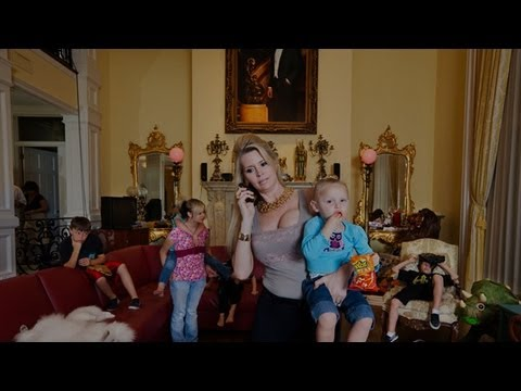 The Queen Of Versailles (Official HD Trailer From Magnolia Pictures)