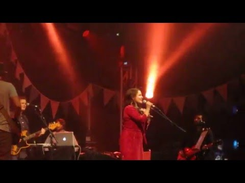 Emiliana Torrini - Jungle Drum live at Glastonbury 2014