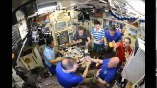 بالفيديو.. هكذا يتناول رواد الفضاء الطعام