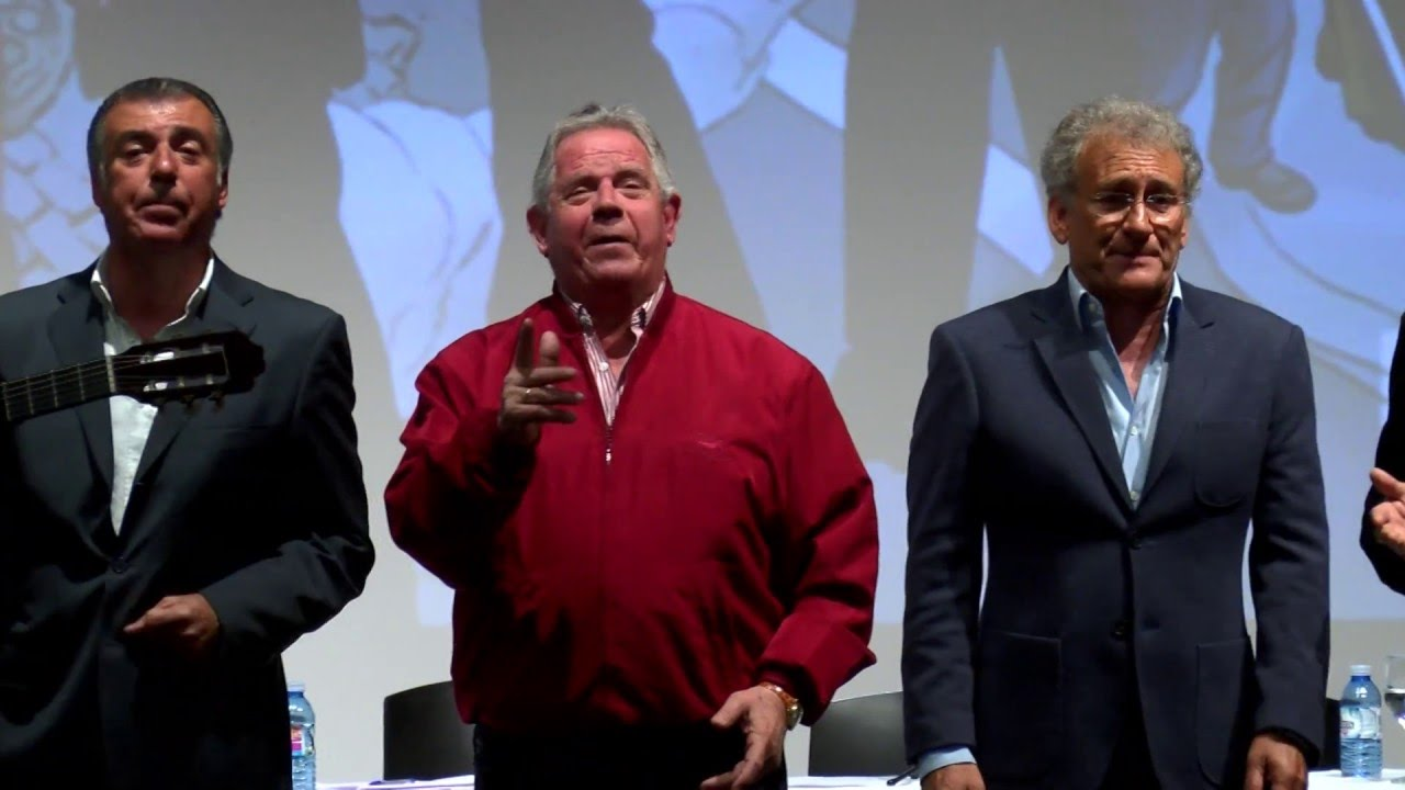 Amigos de Gines celebra su 45 aniversario en un emotivo acto que llenó El Tronío