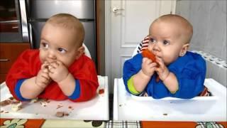 blw dia 41 eric tiago 8 meses comen lentejas con cuchara