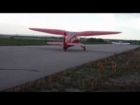 Big Red Stinson Gullwing Taxing