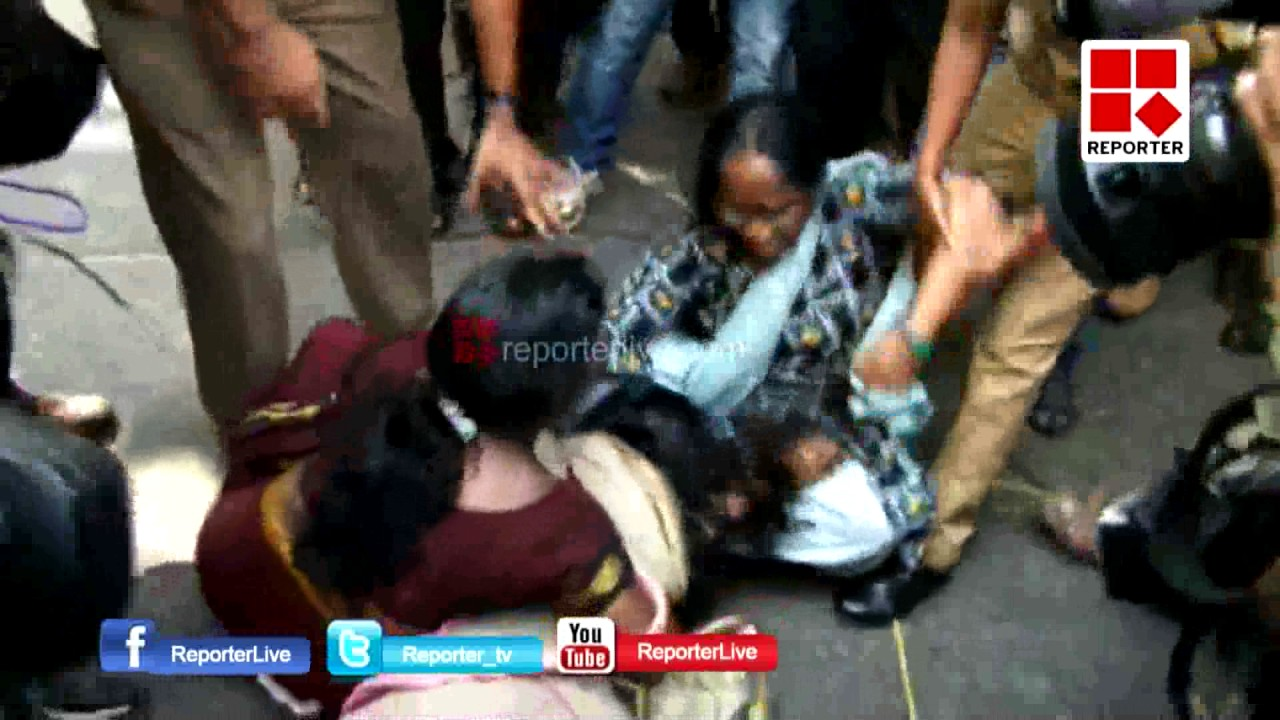 Jishnu's parents protest in front of DGP's office, police arrest Jishnu's mother