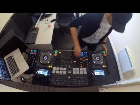 Mixing 4 Decks with Robot FX mp3