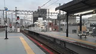 JR西日本西九条駅で281系特急はるかの通過シーン(2019年10月10日木曜日)携帯電話で撮影