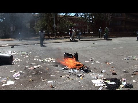 Opposition leaders condemn repression of anti-Mugabe protest
