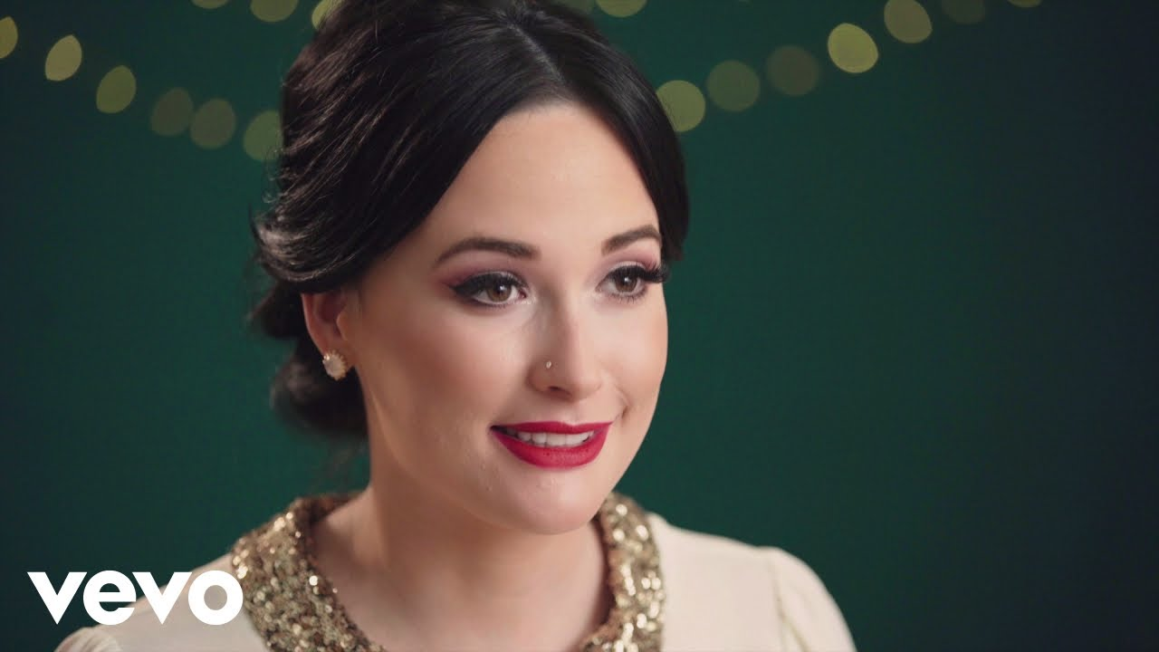 Kacey Musgraves - A Willie Nice Christmas (Behind The Song) ft ...