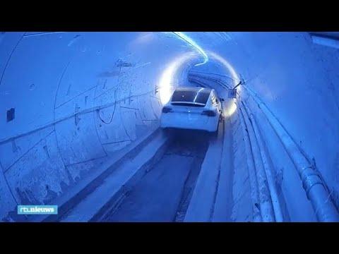 Met dik 200 km per uur in een auto met zijwieltjes door een tunnel, durf jij? - RTL NIEUWS