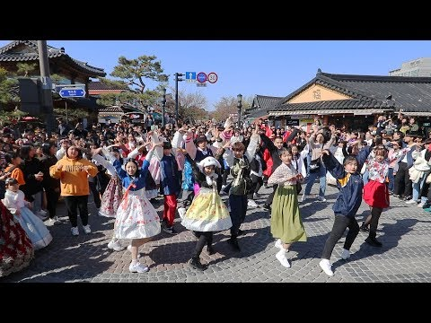 KPOP RANDOM PLAY DANCE WITH KOREAN TRADITIONAL CLOTHES
