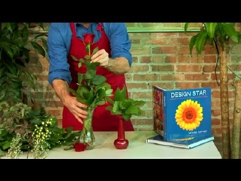 How To Decorate A Long Stem Rose In A Vase Floral Design Youtube