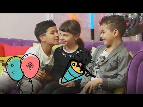 les BOYZ TV embrassent Kalys des STUDIO BUBBLE TEADEFIIIII