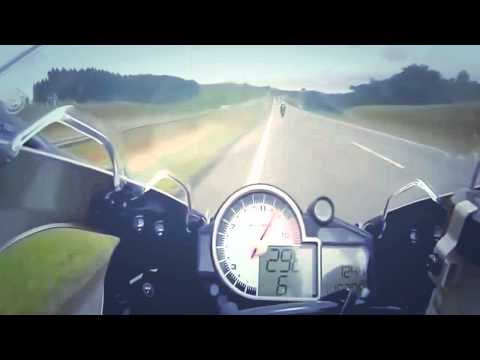5 Minutes Crazy of PURE ADRENALINE RUSH - BMW VS HONDA STREET RACING 299mph