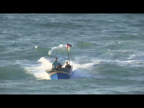 شاهد: معركة على ضفاف بحر غزة المحاصر: فلسطينيون عُزّل وجنود إسرائيليون …  - نشر قبل 2 ساعة