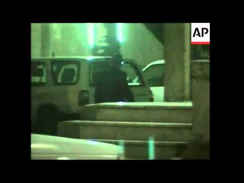 Iraqi scientist arrives at hotel for interview by UN