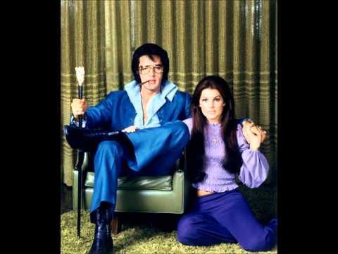 Elvis Presley-A Little Less Conversation/Lyrics