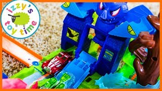 CARS FOR KIDS! Hot Wheels City COBRA MANOR ATTACK