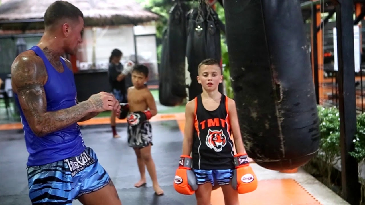 Nieky Holzken Family Training - YouTube