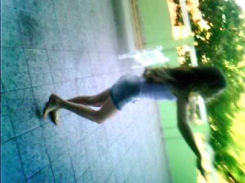 leticia dançando