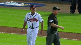 NYM@ATL: Snitker ejected after arguing call at home