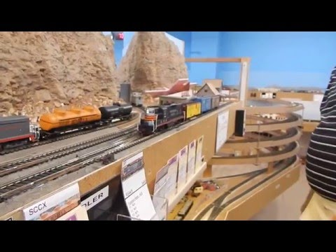 Gilbert Model Railroad Club Ho Scale- Layout Tour (Santa fe & Southern Pacifc)