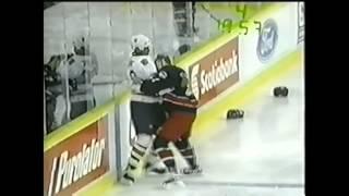 Georges Laraque vs Lyle Odelein