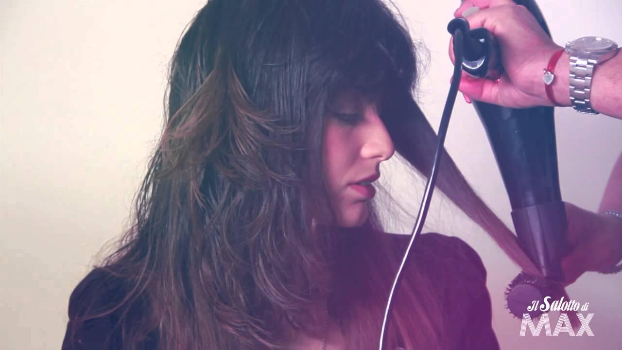 Come lisciare i capelli corti con la spazzola