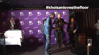 Lundi Khoisan takes a dive