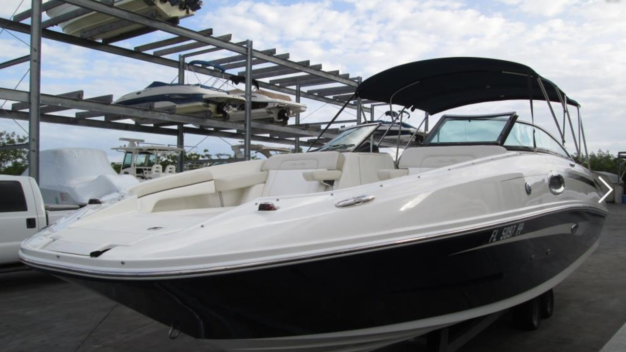 2013 Sea Ray 260 Sundeck Boat For Sale at MarineMax Clearwater